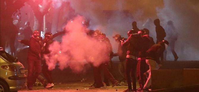 Yunanistan'da Polis ile Göstericiler Arasında Gerginlik