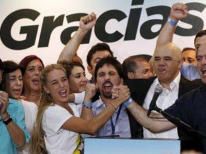 Venezuela'da Muhalefet Kazandı