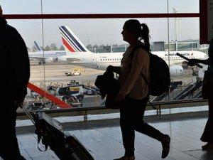 Dua Eden Müslüman Uçaktan İndirildi