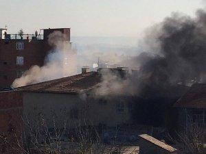 PKK Sur'da İki Okulu Yaktı