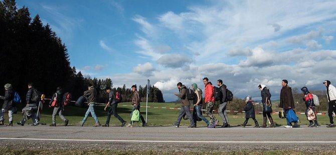 Almanya'daki Sığınmacı Sayısı 1 Milyonu Buldu