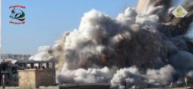 Rejimin Silah Fabrikasının Havaya Uçurulma Anı (Video)