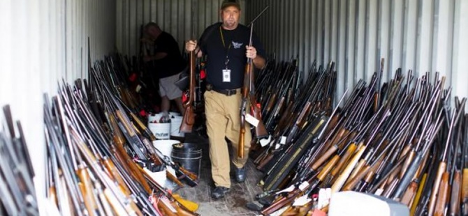 Amerikalılar Silahlanıyor