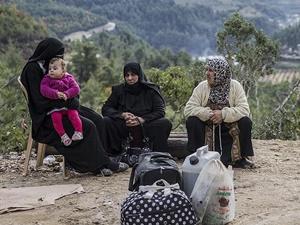 PYD Tel Abyad'taki Türkmenleri Göçe Zorluyor!