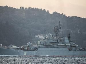 Rusya'ya Ait Savaş Gemisi İstanbul Boğazı'ndan Geçti!