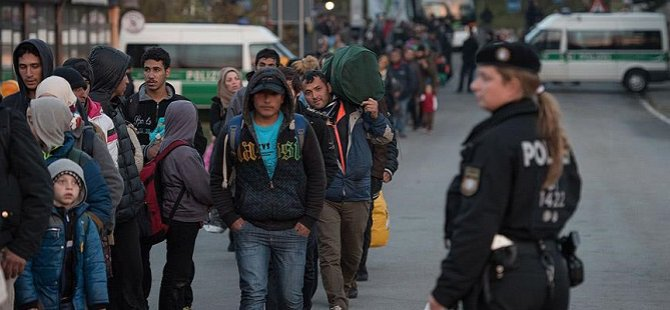 """2016'nın İlk Yarısında Almanya'ya 222 Bin Mülteci Geldi"""