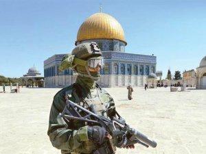 İşgalci İsrail Polisi Katledilen Filistinlilerin Anıldığı Parkı Yıktı!