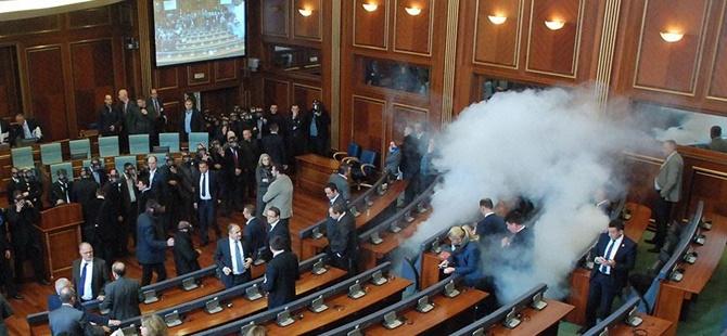 Kosova'da 5 Milletvekili Daha Gözaltına Alındı