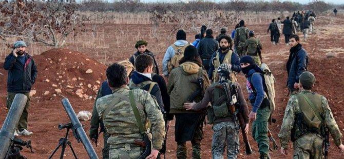 Direnişçiler Halep'te Bir Köyün Kontrolünü Ele Geçirdi