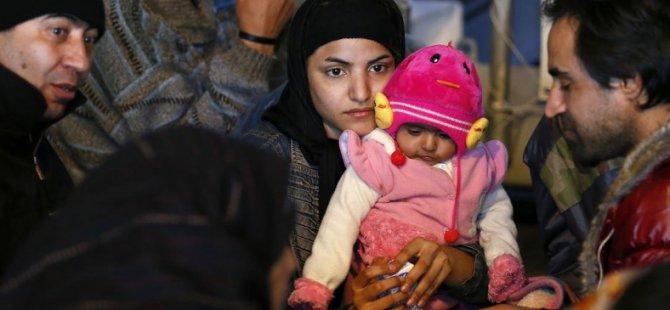 AB: Türkiye'deki Suriyelileri Alın