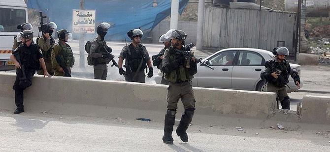 İşgalci İsrail Filistinli Üniversite Öğrencilerini Gözaltına Aldı!
