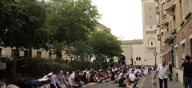 Fransa'da Müslümanlar Yargıya Başvuruyor