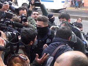 Diyarbakır'daki Olaylarda 2 Rus Gözaltına Alındı