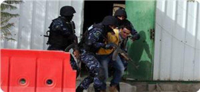Abbas Yönetimi Hamas Üyelerini Tutukladı!