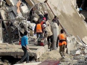 Rus Jetleri İdlib'de Mahkeme Binasını Vurdu: 40 Ölü, 150 Yaralı