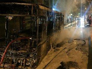 Okmeydanı'nda Halk Otobüslerine Molotofkokteylli Saldırı