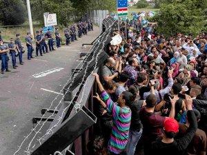 """""""Suriyeli Mülteciyi Avrupa'dan Uzak Tutmak İçin..."""""""