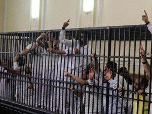 Mısır'da 33 Darbe Karşıtına Hapis Cezası