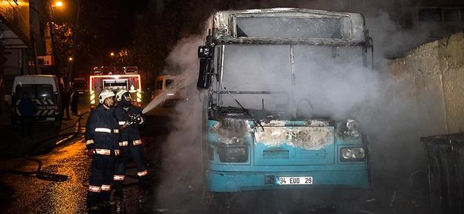 Bağcılar'da Halk Otobüsü Kundaklandı!
