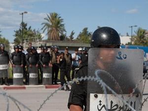 "Tunus'ta ""Olağanüstü Hâl"" Bir Ay Daha Uzatıldı"