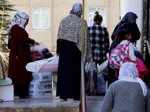 İHH'dan Sur'daki Hendek Mağduru Ailelere Yardım