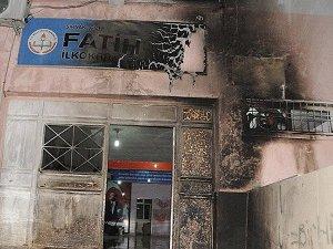 PKK'lılar Cizre ve Silopi'de 6 Okula Saldırdı