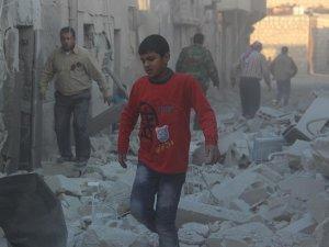 Rus Jetleri Şam'da Pazar Yerine Saldırdı: 35 Ölü