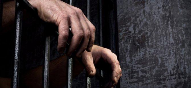 """Mısır'da 5 Ayrı Dilde """"Tutukluları Kurtarın"""" Kampanyası"""