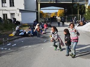 Letonya, Mültecilerin Aylık Ücretini Aşağı Çekiyor