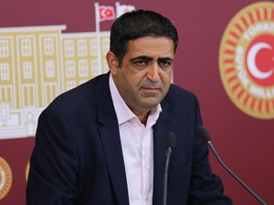 HDP'den Davutoğlu'nun Görüşme Talebine Olumlu Yanıt