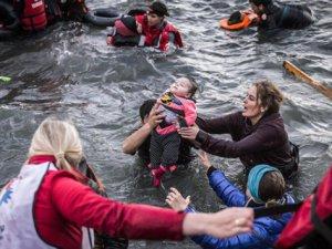 """""""Avrupa Ülkeleri, Mültecilerin Hayatını Tehlikeye Atıyor"""""""