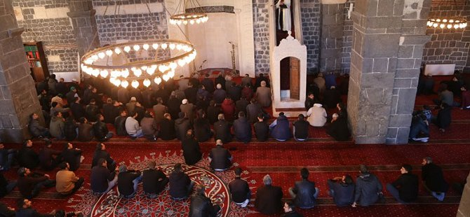 PKK Saldırıları Sebebiyle Namazın Kılınamadığı Ulu Camii