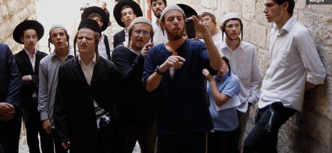 Bir Grup Yahudi Yerleşimci Zorla Mescid-i Aksa'ya Girdi
