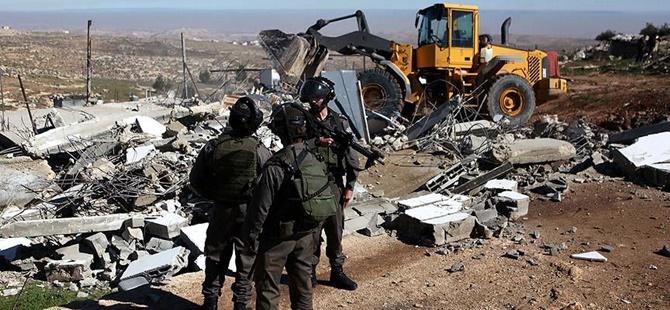 İşgalci İsrail Filistinlilere Ait 2 Evi Daha Yıktı!