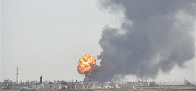 Rus Uçakları İdlib'de Mülteci Kampını Bombaladı: 8 Ölü
