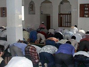 Somali'de Namazdan Çıkan Cemaate Silahlı Saldırı