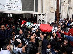Siyonistler Alıkoydukları 23 Filistinlinin Cenazesini Teslim Etti