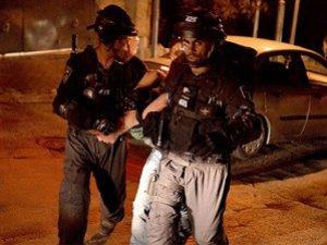 İşgal Güçleri, 30 Filistinli Genci Gözaltına Aldı