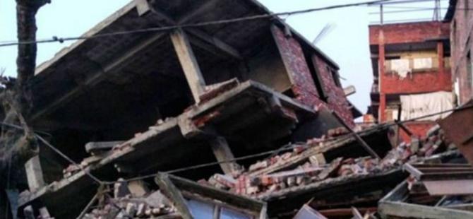 Hindistan'da Deprem: En Az 8 Kişi Hayatını Kaybetti