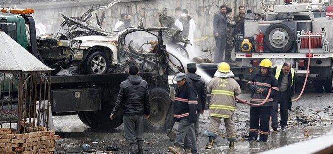 Afganistan'da Havaalanı Yakınında Bombalı Saldırı