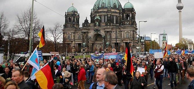 Almanya'da Göçmen Karşıtı AfD'ye Destek Artıyor