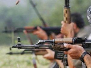 PKK'lılar İlk Okulu Ateşe Verdi!