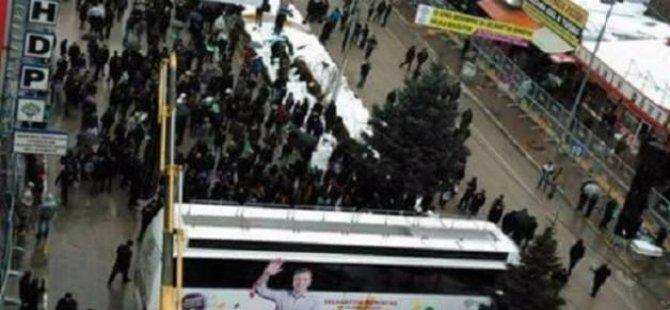 HDP'li Belediyenin Tehdidi Vanlı İşçilere Sökmedi!