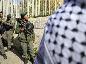 İsrail Askerlerinden Filistinlilere Saldırı: 14 Yaralı