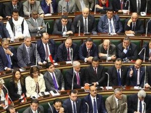 Mısır Parlamentosu Yıllar Sonra Açıldı