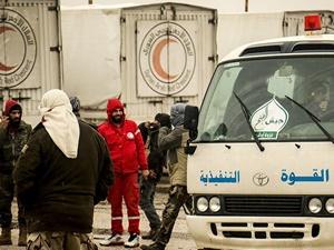 Abluka Altındaki Madaya'ya 4 Kamyon İnsanî Yardım Ulaştı