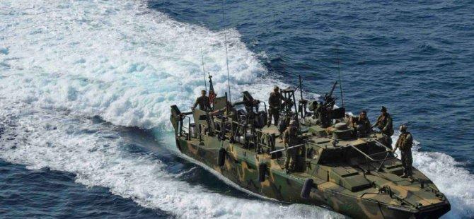 İran ABD Askerlerini Bıraktı