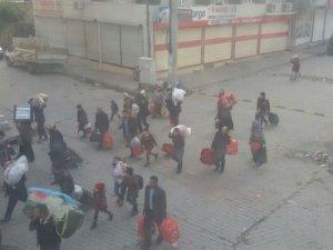 """""""Sur ve Cizre'de 390 Bin Kişi Göç Etti"""""""
