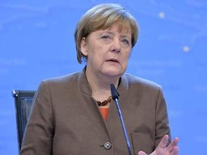 Merkel: AB Kritik Durumda