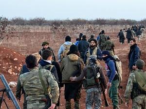 Direnişçiler Halep Kırsalında İlerliyor